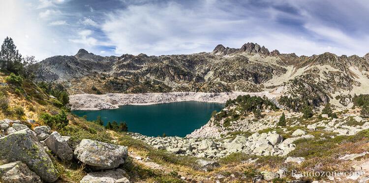 Lac de Gréziolles dans les Pyrénées centrales