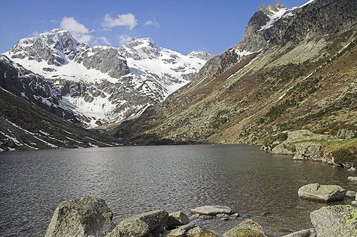 Randonnée au lac d'Estom dans les Pyrénées