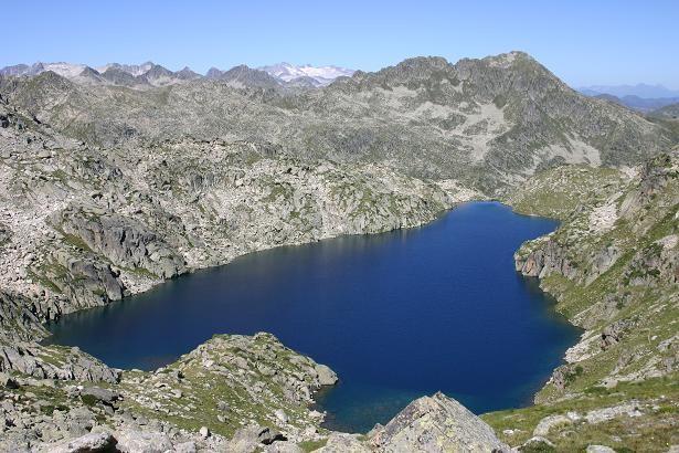 Estany Gelat de Saborado ou lac Glaçat dans les Encantats