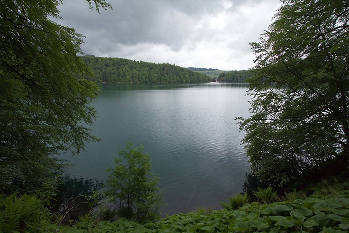 Lac Pavin sur le GR 30