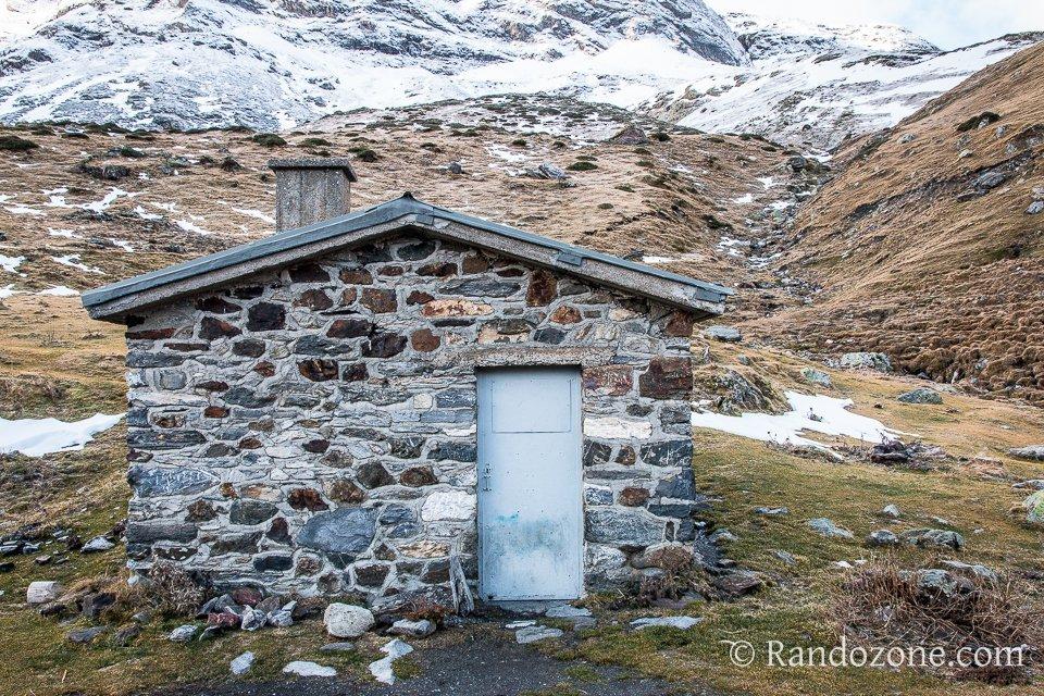 Cabane de Groutte dans les Hautes-Pyrénées